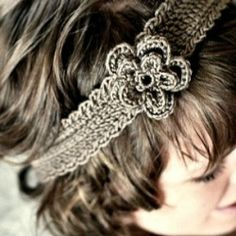 A simple tutorial on how to create this beautiful flower headband! freebie. thanks so xox