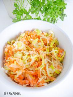 Surówka z Gruszki - Przepiski.pl Cabbage, Cooking Recipes, Pudding, Vegetables, Ethnic Recipes, Food, Diet, Easy Meals, Chef Recipes