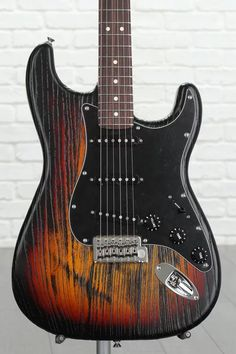 Fender Sandblasted Stratocaster, Sweetwater USA Exclusive - 3-tone Sunburst with Rosewood Fingerboard