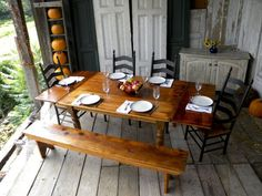 beautiful reclaimed barnwood table!