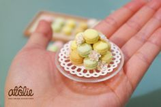 Dollhouse miniature macaroons for 1/4 bjds ~ by Atolie