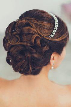 Свадебные прически и макияж, Образ невесты