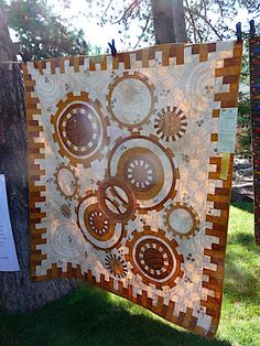 Steampunk gear quilt at the Sisters Outdoor Quilt Show