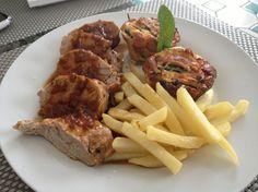 Découvrez la recette Filet mignon de porc rôti aux échalotes en cocotte sur cuisineactuelle.fr.