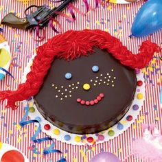 Pippi-Langstrumpf-Torte Colorful Birthday Party, Pippi Longstocking, Cake Decorating Tools, Diy Cake, Kids Meals, Art For Kids, Party Themes, Birthday Cake, Food