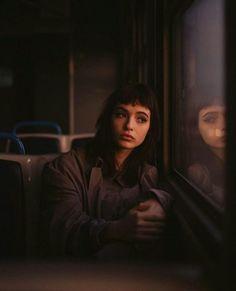 Portrait Photography Poses, Dark Photography, Street Photography, Cinematic Photography, Street Portrait, Foto Art, Creative Photos, Photo Reference, Female Portrait