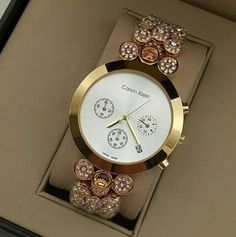 Stylish Watches For Girls, Ladies Bracelet Watch, Gold Mangalsutra Designs, Hype Shoes, Elegant Watches, Hand Jewelry, Stylish Jewelry, Gold Bangles, Luxury Watches