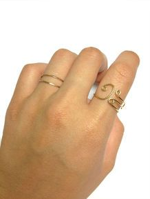 Bass clef ring... Giveaway for September! Check out Ellohoneybee.com to win it! Diy Jewelry, Jewelry Making, Giveaways, Wire Wrapping, Bass, Gold Rings, September, Craft Ideas, Jewels