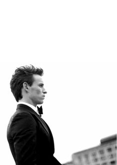 Eddie Redmayne, back and better than ever Eddie Redmayne Fantastic Beasts, Beautiful Men, Beautiful People, Harry Potter, Felicity Jones, Guys And Girls, Boys, Christian Grey, Man Photo
