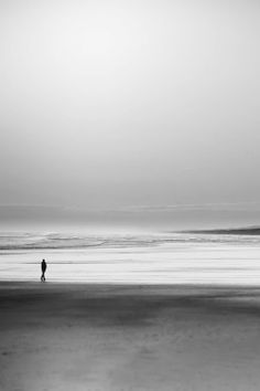 """""""Solitude isn't loneliness. Solitude is when the entire serene universe seems to surround and hold you quietly. Landscape Photography, Nature Photography, Alone Photography, Espanto, Minimalist Photography, Am Meer, Jolie Photo, Black And White Pictures, Travel Photography"""