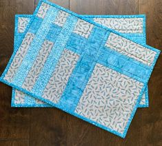 Quilted Placemat Patterns, Potholder Patterns, Mug Rug Patterns, Placemat Ideas, Quilt Patterns, Table Runner And Placemats, Quilted Table Runners, Quilt Placemats, Crochet Baby Boy Hat