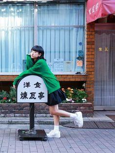 GUのWOMEN ⁄ スカートを使ったあわつまいさんのコーディネートです。│先日、撮影で銀座の煉瓦亭に行きました。...