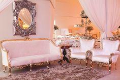 Moveis para casamento | Decoração de casamento | Wedding Decor | Decoração Branca | Decoration | White Decor | Sofá e poltronas Casamento | Decoração Clássica | Inesquecível Casamento