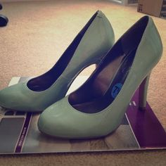 Jessica Simpson heels Muted mint colored heels. Bought for my wedding but they are not the correct color Jessica Simpson Shoes Heels