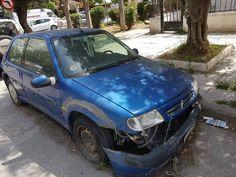 Παραμένουν τα εγκαταλελημένα αυτοκίνητα στην Καλλιθέα