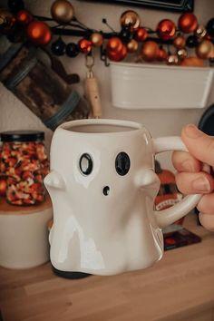 Halloween House, Fall Halloween, Halloween Items, Tea Mugs, Coffee Mugs, Deco Disney, Cute Cups, Cool Mugs, Pottery Mugs