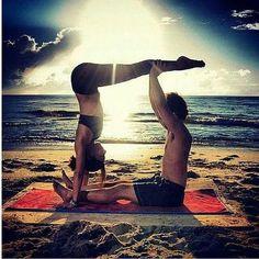 yoga nature,outside yoga,natural yoga,yoga spirit Pranayama, Couple Yoga, Couples Yoga Poses, Partner Yoga Poses, Iyengar Yoga, Ashtanga Yoga, Yoga Inspiration, Yoga Fitness, Namaste