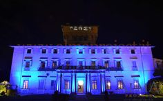 ALMA Project @ Villa di Maiano - Facade - Lighting LED blue column columns2