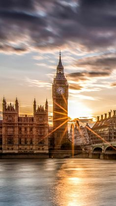 Tapeten und Tapetenland Stadt London wallpaper et fond d& pays ville Londres Tapeten und Tapetenland Stadt London City Wallpaper, Sunset Wallpaper, Screen Wallpaper, City Aesthetic, Travel Aesthetic, London City, Beautiful Buildings, Beautiful Places, Big Ben