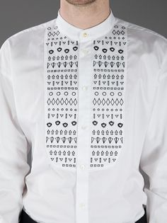 Two of my favourite things in this shirt: No collar and a random print. #Fashion