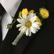 White daisy boutonniere with yellow flowers Yellow Wedding Flowers, Daisy Wedding, Corsage Wedding, Yellow Flowers, Wedding Bouquets, Our Wedding, Wedding Ideas, Wedding Inspiration, Garden Wedding
