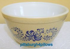 Pyrex  Homestead  401  Mixing Bowl  EUC  1.5 by pittsburgh4pillows