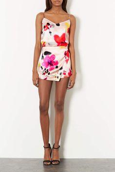 20+Ways+to+Wear+Florals+|+Her+Campus