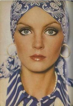 Resultado de imagen para 70's makeup