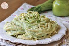 PASTA ALLA CREMA DI ZUCCHINE Kallax, My Favorite Food, Favorite Recipes, Ricotta, Gnocchi, Cabbage, Spaghetti, Food And Drink, Cooking Recipes