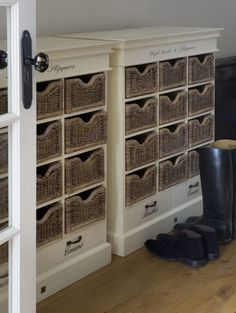 High heels and slippers cabinet
