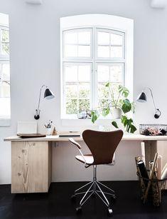 Light-filled workspace