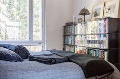 Upea loft-asunto uusimmassa Avotakassa Comforters, Loft, Blanket, Bed, Creature Comforts, Quilts, Stream Bed, Lofts, Blankets