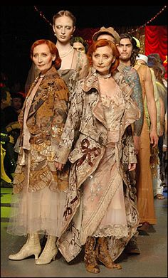 John Galliano: Twins in prints and layered coats at the show finale. Photo by Jean-Luce Hure http://www.nytimes.com/slideshow/2005/10/09/fashion/20051010_FASHION_SLIDESHOW_1.html?_r=0