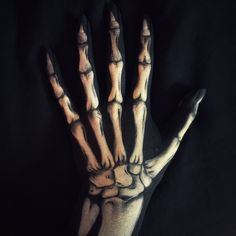 Skeleton hand- missing several bones of the wrist Hand Makeup, Fx Makeup, Skull Makeup, Skeleton Hand Tattoo, Skeleton Hands, Fete Halloween, Halloween Make Up, Halloween Costumes, Vintage Halloween