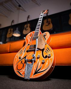 On this edition of Out of the Case, we're taking a look at this super cool Masterbuilt Gretsch Chet Atkins G6120DSW Relic Hollowbody. This guitar was part of a
