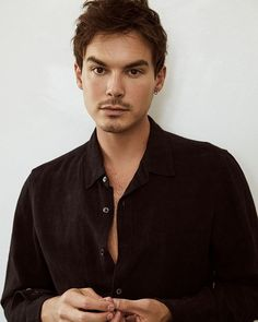 Roswell New Mexico, Tyler Blackburn, Abc Family, More Games, The Cw, Pretty Little Liars, American Actors, Old And New, Actors & Actresses