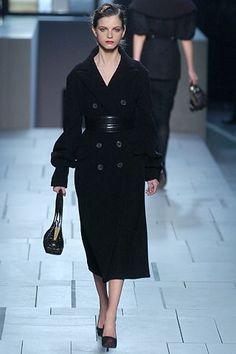 Louis Vuitton Fall 2005 Ready-to-Wear Fashion Show - Jeisa Chiminazzo