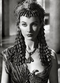 Vivien Leigh as Cleopatra in Antony and Cleopatra