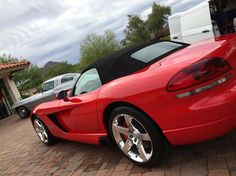 Cool day in #az in #july?! 2008 v10 viper and 63 corvette split window looking clean as can be! #detailersofinstagram #autorunnersdetailing #corvette #viper #v10 #wax #rain #scottsdale #chandler  #details #mobiledetailing #fast #asu #pro