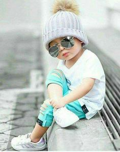 Cool Baby with Sunglasses Little Boy Fashion, Baby Boy Fashion, Toddler Fashion, Kids Fashion, Vogue Fashion, Baby Boy Dress, Baby Boy Outfits, Kids Outfits, Cute Little Baby