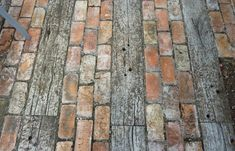garten pflaster Paving from recycled timber and bricks Outdoor Paving, Garden Paving, Garden Path, Brick Paving, Brick Path, Landscape Design, Garden Design, Landscape Architecture, Gravel Walkway