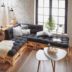 60 stunning diy projects pallet sofa design ideas diy home d Pallet Furniture Cushions, Diy Pallet Couch, Diy Couch, Wooden Pallet Furniture, Couch Furniture, Furniture Ideas, Pallet Wood, Furniture From Pallets, Wooden Sofa