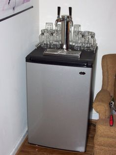 ohh if i find a cheap old mini fridge DIY kegerator with