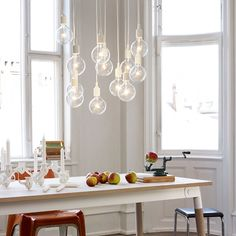 Cluster of E27 lamps over the dining table.