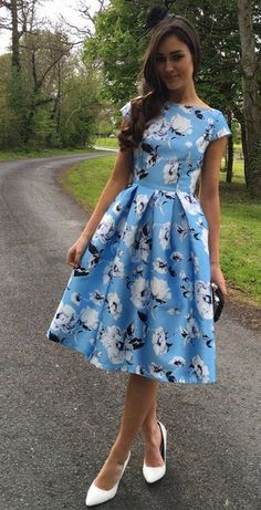 Trendy dresses - 49 Spring Dresses To Update You Wardrobe Now Modest Dresses, Trendy Dresses, Cute Dresses, Vintage Dresses, Beautiful Dresses, Floral Dresses, Girls Formal Dresses, Midi Dresses, Day Dresses