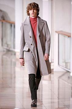 Belas cores invadiram o desfile masculino no Outono-Inverno 2016/17 da Hermès