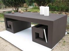 Japanese coffee table made ​​of cardboard