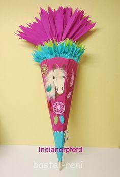 Pferde-Schultüte mit einem indianischen Pferd und einer Mähne im 3D-Effekt Etsy, Outdoor Decor, 3d, Home Decor, Indian Horses, Horse Head, Birthday Celebrations, School, Room Decor