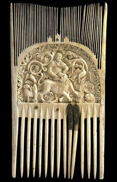 Carolingian ivory comb showing Samson and the Lion, Louvre, 9thc