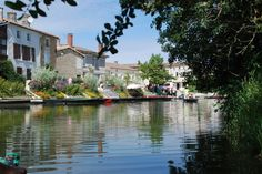Town of Coulon on the Green Venice. France, Venice, Marie, Road Trip, England, Spaces, Green, Design, Venice Italy